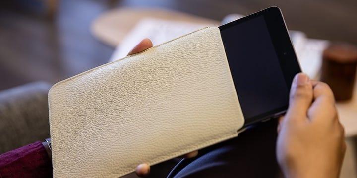 Skyddshölje till iPad Mini - Naturvit - Granulerat läder